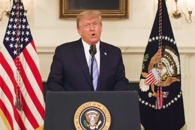 メッセージを伝える米国のドナルド・トランプ大統領(画像:動画メッセージより)