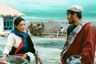 映画「羊飼いと風船」 宗教と現代性、その普遍的な対立を見事に描き切った秀作