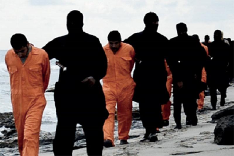 過激派組織「イスラム国」(IS)が2015年2月15日に公開した動画の一場面