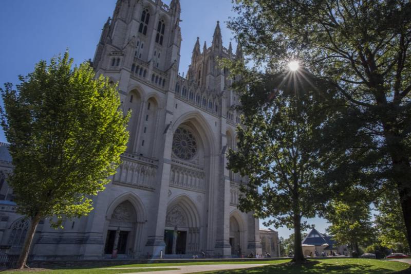 米国聖公会ワシントン教区の主教座聖堂で、さまざまな国家行事も行われるワシントン大聖堂(写真:同大聖堂)