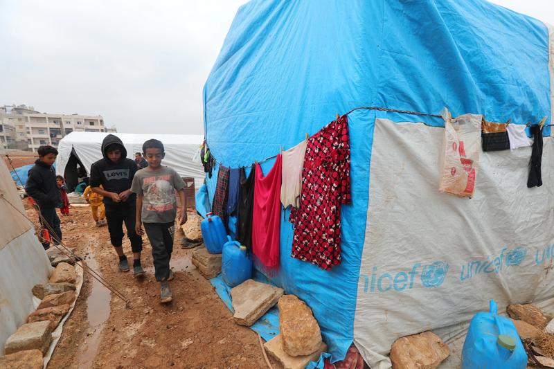 反政府組織の最後の拠点となっているシリア北西部イドリブでは、100万人以上が住居を失ったとされている=2020年12月1日(写真:ボイス・オブ・アメリカ=VOA)