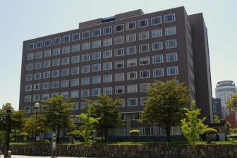 札幌高裁・地裁合同庁舎=2007年(写真:Jo)