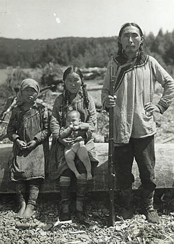 ウデヘ族の家族