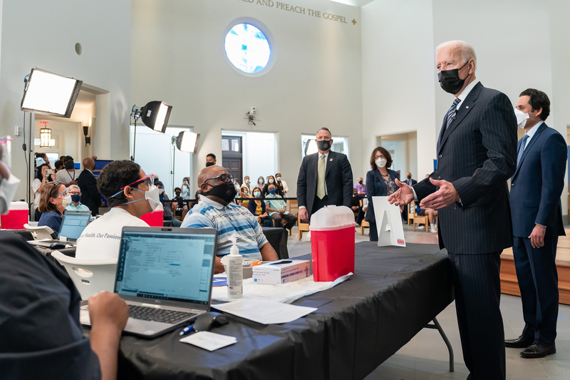 米神学校、チャペルをワクチン接種会場として開放 バイデン大統領が訪問