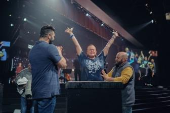「圧倒的な神の働き」 米教会、コロナ禍に4カ月で1048人がバプテスマ