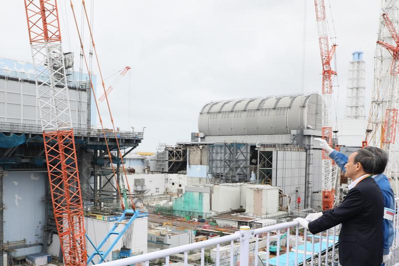 福島第1原子力発電所を視察する菅義偉首相=2020年9月26日(写真:内閣官房内閣広報室)