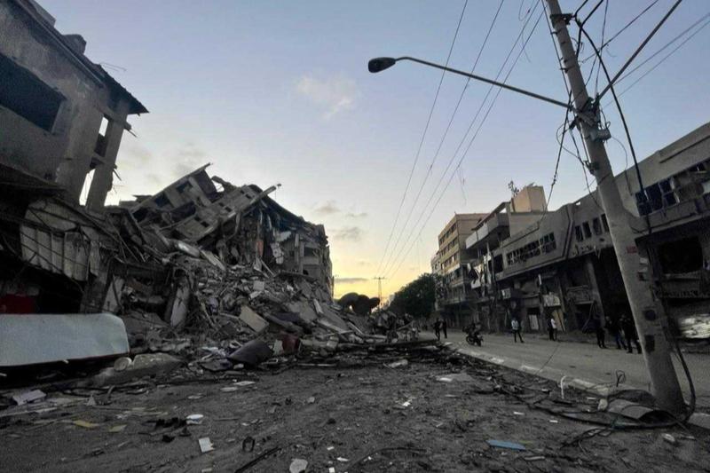 イスラエル軍の空爆により破壊されたパレスチナ自治区ガザの建物(写真:国連人道問題調整事務所=OCHA / Samar Elouf)