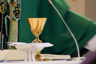 中絶推進派のカトリック政治家の聖体拝領を禁止するものではない 米司教協議会が見解