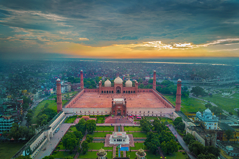 パキスタン東部ラホールのバードシャーヒーモスク(写真:Wasifff)