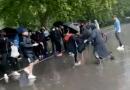 元イスラム教徒の女性伝道者、演説中に刺される 英ロンドン