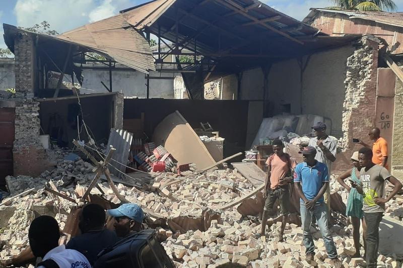 ハイチで発生した地震により倒壊した住宅=8月14日(写真:ボイス・オブ・アメリカ)