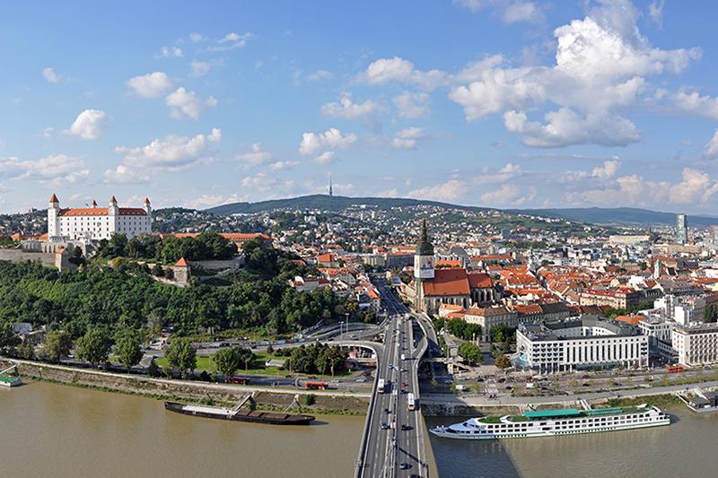 スロバキアの首都ブラチスラヴァ(写真:Marc Ryckaert)