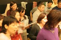 渋谷にある「ゴスペルスクエア」の様子。2月からは支部として神奈川県と三重県で「サニーサイド・ゴスペル・クラブ」がオープンする。(NGOゴスペル広場)