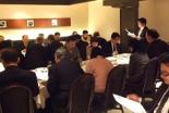 本番当日の会場である京王プラザホテル(東京都新宿区)で行われた第9回国家晩餐祈祷会の最後の準備会。当日の日程調節や、祈祷課題についてなどを話し合い、400人参加に向けてなど全員で祈りをささげた。
