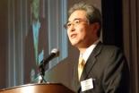 「地の上に、平和が」と題して聖書のルカの福音書2章14節を引用してメッセージを伝える倉沢正則・東京基督教大学学長