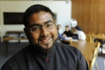 オーストラリア出身のモハメド・アザリさん(写真提供:WCC、ボセイ・エキュメニカル大学で)。