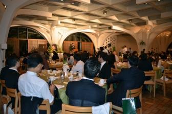 追悼晩餐会には全国各地の教会指導者ら約100人が出席した=22日、東京都新宿区の淀橋教会で