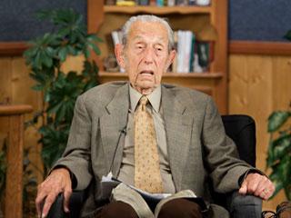 5月21日の予言が外れた後、会見した際のハロルド・キャンピング氏=2011年5月23日、米国カリフォルニア州オークランドのファミリーラジオ本部で(写真提供:クリスチャンポスト)
