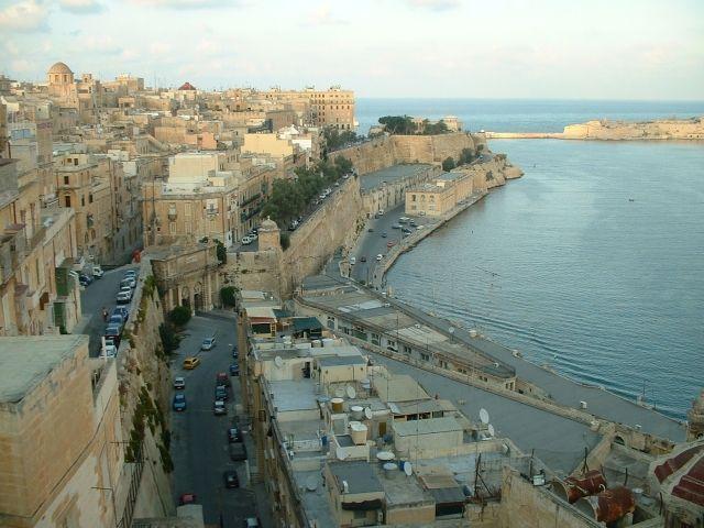 マルタの首都バレッタ西海岸の風景