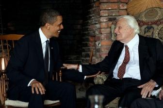 バラク・オバマ米大統領とビリー・グラハム氏、2010年4月25日(写真提供:米ホワイトハウス)
