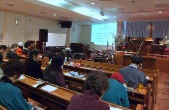 断食祈祷聖会の様子。2012年1月17日、東京中央教会(東京都新宿区)で。