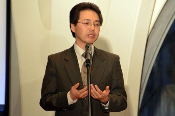 講演する佐々木真輝氏=11日、東京都新宿区の淀橋教会で