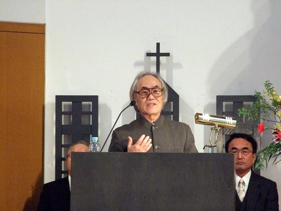 福音伝道教団大間々キリスト教会牧師の高木寛氏=9日、東京基督教大学(千葉県印西市)で