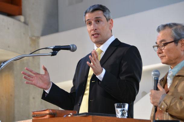 イスラエルのメシアニック運動について講演するイスラエル聖書大学学長のエレズ・ソレフ氏=20日、東京都新宿区の淀橋教会で
