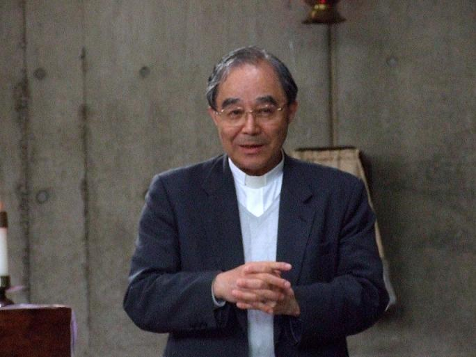 テゼの祈りのエキュメニカルな働きについて説明したカトリック司教森一弘氏=4月30日、牛込聖公会聖バルナバ教会(東京都新宿区)で