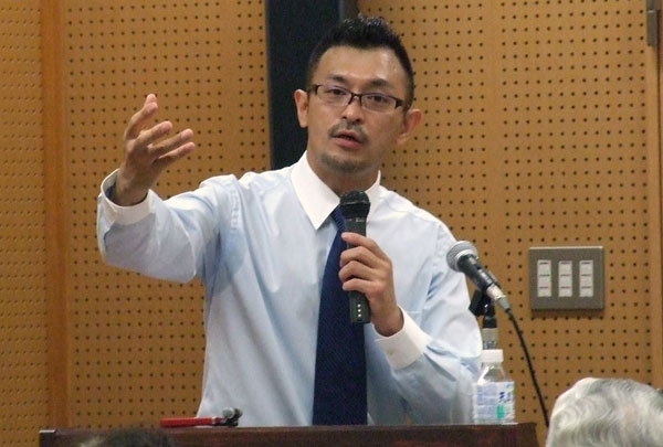 国際自由宗教婦人連盟(IALRW)ジャパン主催の講演会で講演する進藤龍也氏=5月19日、東京都杉並区で