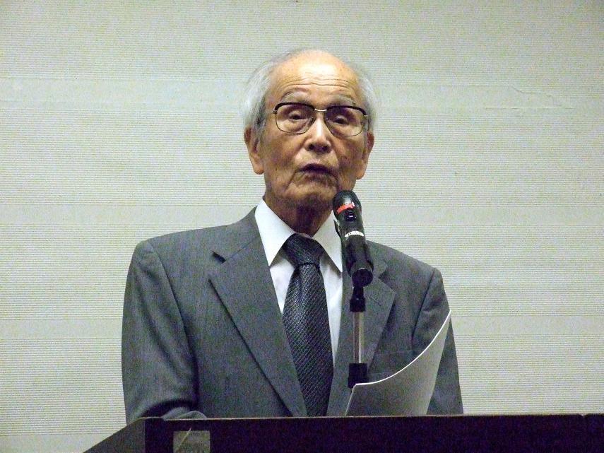 講演を行う渡辺信夫氏=9日、東京都世田谷区で
