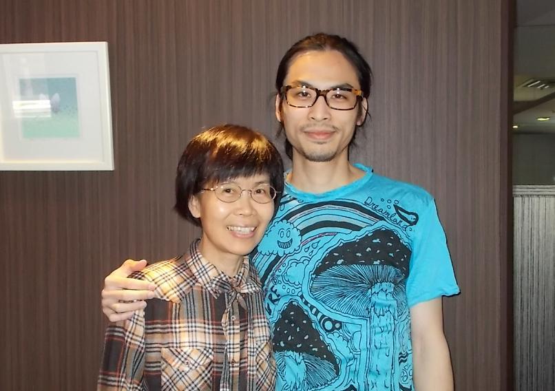 葉衡山さんと母親の曹貴香さん。東京都内ホテルで。