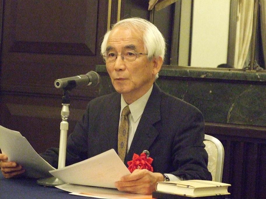 講演を行った大山綱夫氏=9月28日、学士会館(東京都千代田区)で